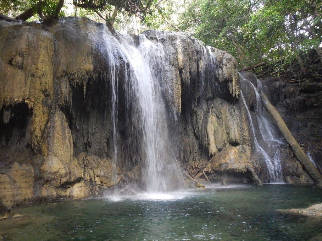paket wisata pulau moyo