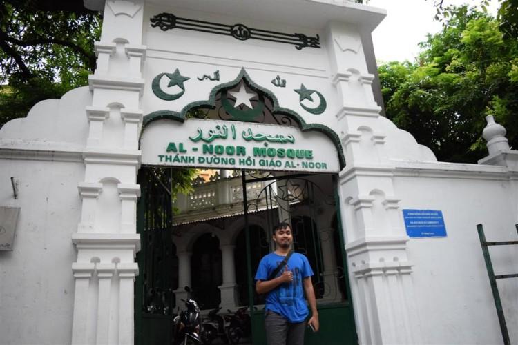 Masjid-di-kota-hanoi-750×500