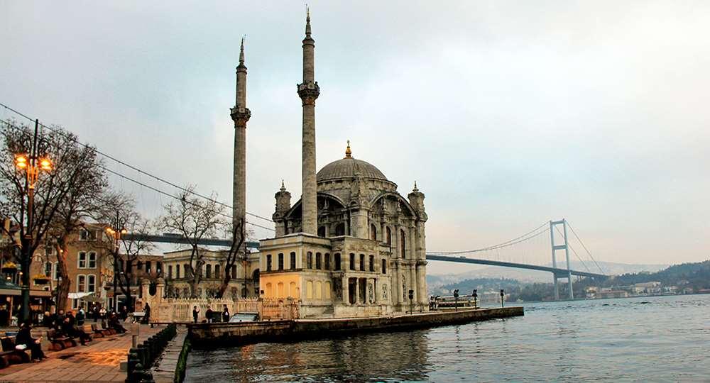 6_Umrah_ortakoy-mosque
