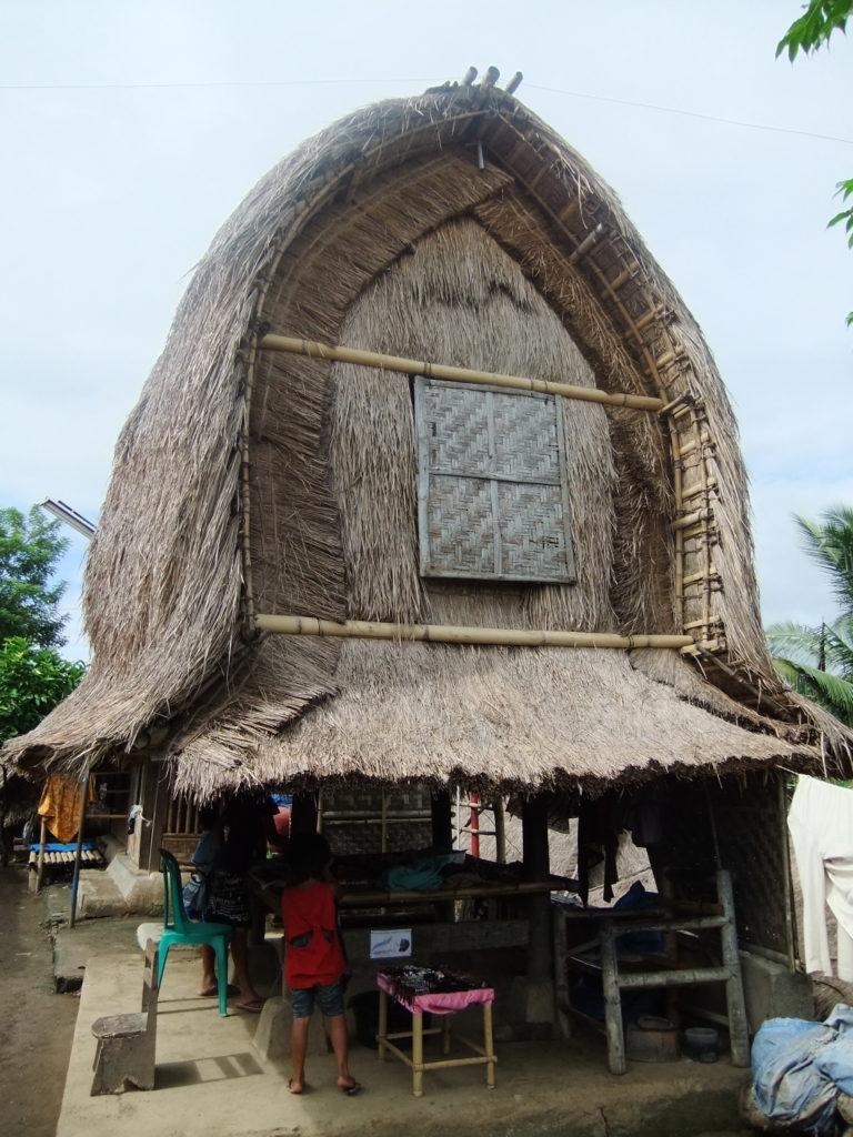 4_Lombok_Traditional_Sasak_Village_Sade_rice_barn